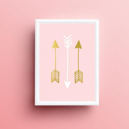 seinapilt-lastetuppa-kolmikpilt-suled-nooled-roosa-5