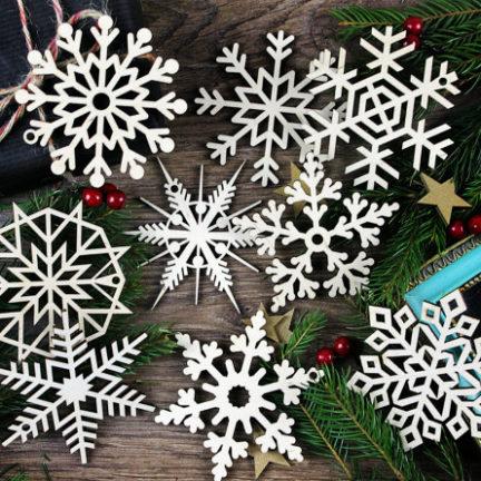puidust_lumehelbed_jõulukaunistused_kuuseehted_1