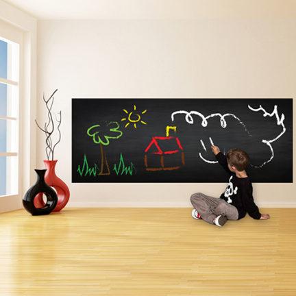 kriiditahvel seinakleebis seinale