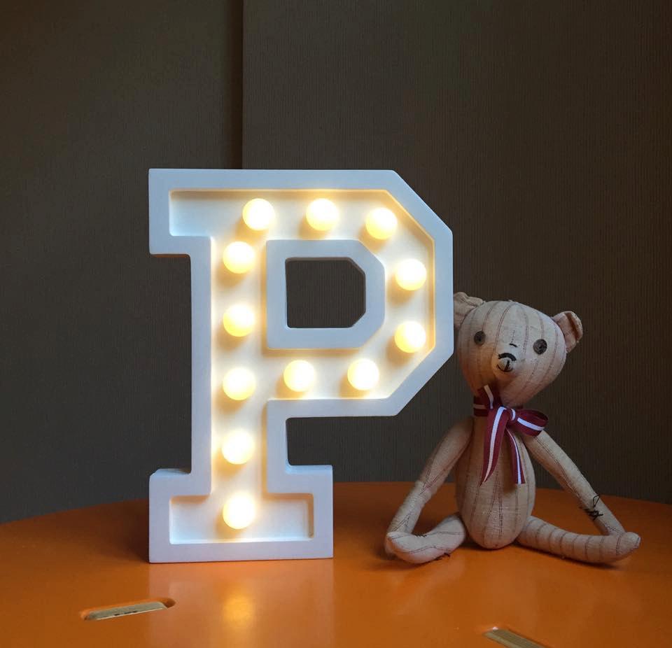 Puidust lamp täht P